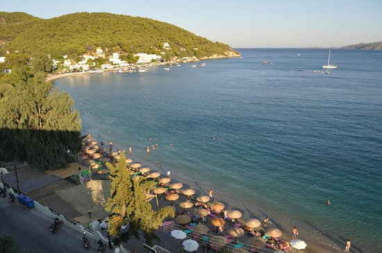 askeli-beach-Tsouris-Taxi-Galatas